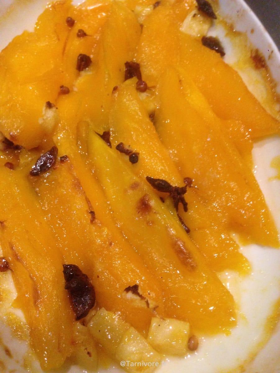 Mangue et ananas juste avant la cuisson