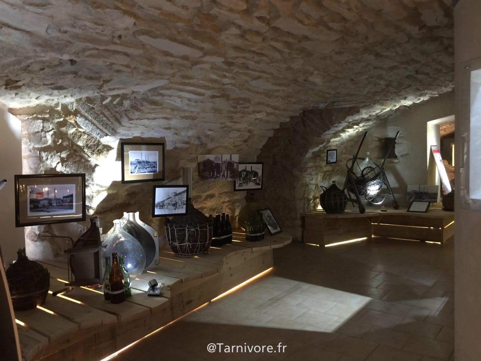 Une des salles en sous sol du Musée du verre de Carmaux